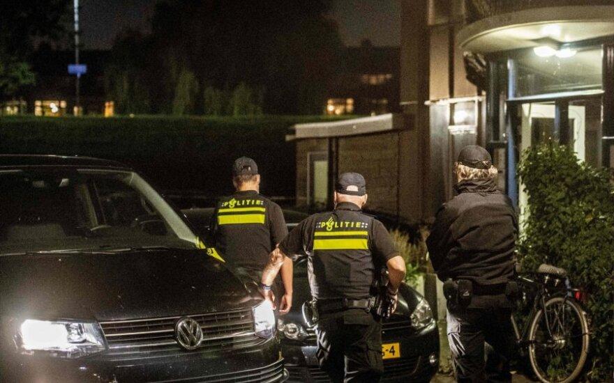 Nyderlandų policija atliko kratas terorizmu įtariamųjų namuose
