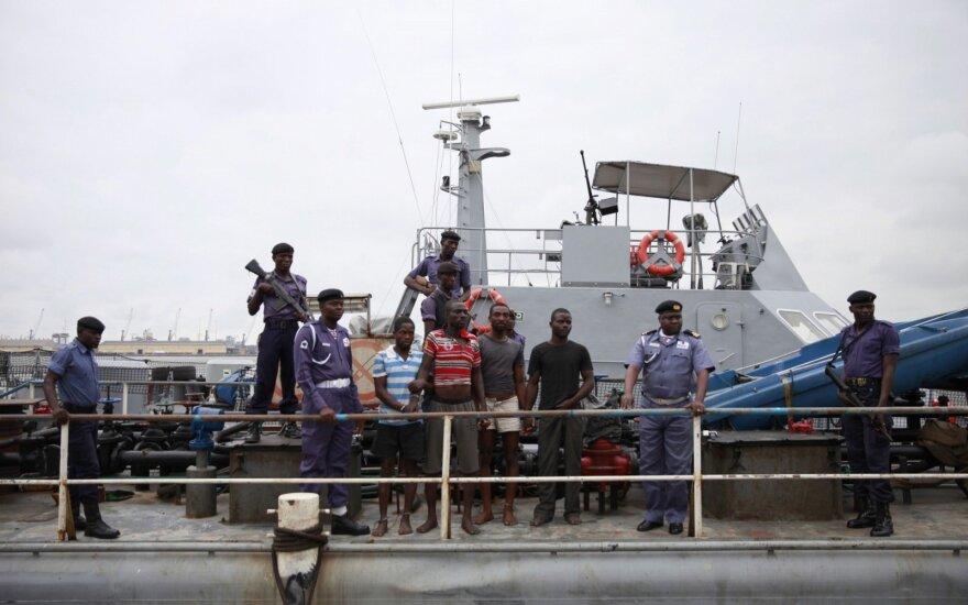 Nigerijoje įtariama piratų grupė nukovė keturis karinio jūrų laivyno narius
