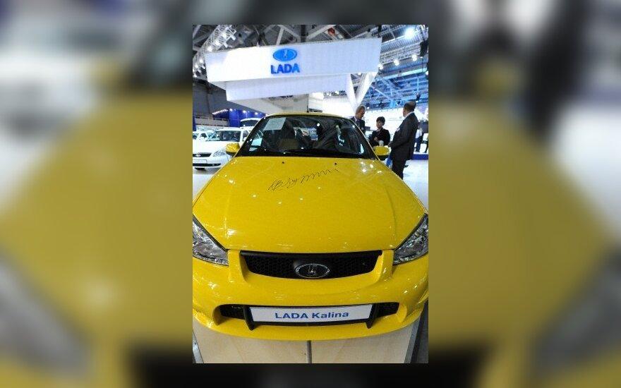Naujų automobilių pardavimai Rusijoje išaugo 80 proc.