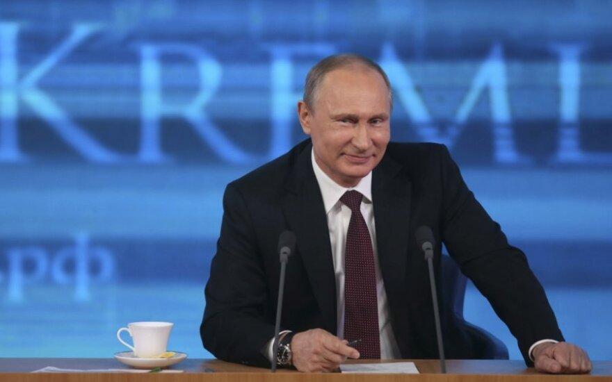 V. Putinas pasakė, ką Rusija iš tiesų mano apie Eltoną Johną