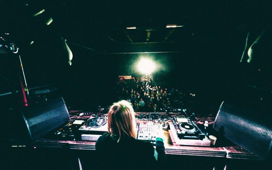 """""""Klaipeda Sound Festival"""": elektroninės muzikos legendos pajūrio kopose arba kaip Klaipėda Berlynu virto"""