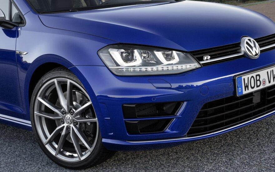 Rugpjūtį gerokai ūgtelėjo naujų automobilių rinka