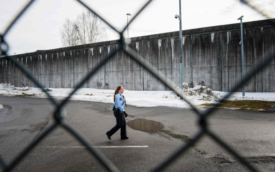 Norvegijoje šimtus jaunuolių lytiškai išnaudojęs nusikaltėlis pasiųstas už grotų 16 metų