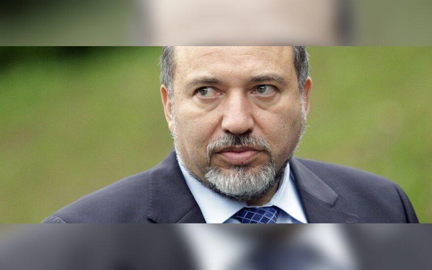 Liebermanas nusiuntė premjerui Netanyahu oficialų laišką dėl atsistatydinimo