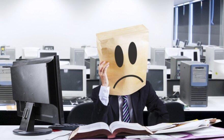 """<font color=""""#6699CC""""><strong>Klausk teisininko:</strong></font> kiek dienų privaloma išdirbti prieš išeinant iš darbo savo noru?"""