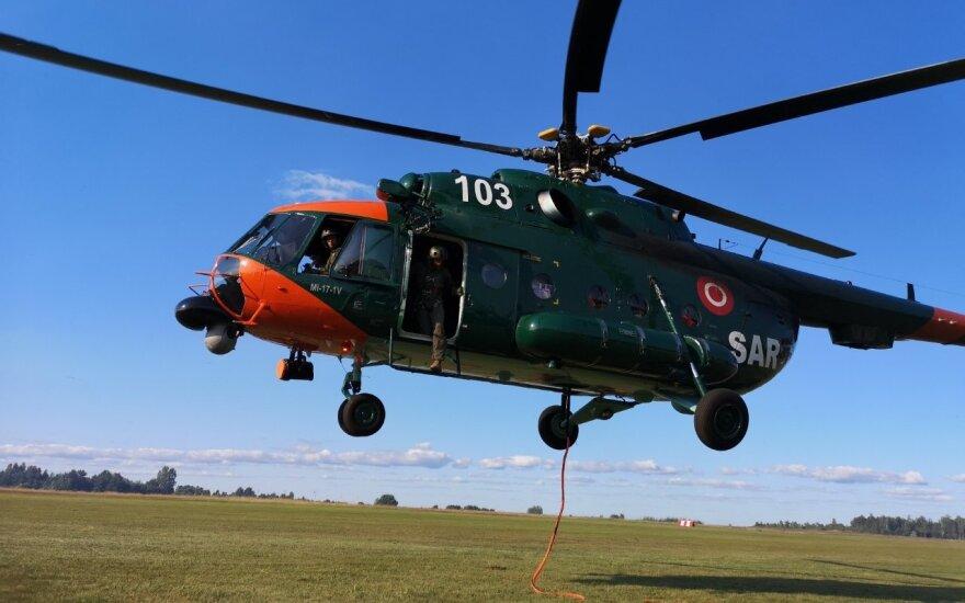 Kariuomenė teigia, kad gaisrams gesinti dabar galėtų skirti du sraigtasparnius