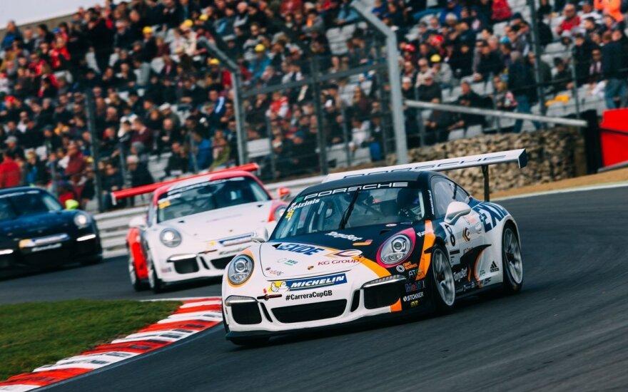 "I.Gelžinis ""Porsche Carerra Cup GB"" lenktynes užbaigė pergalingai"