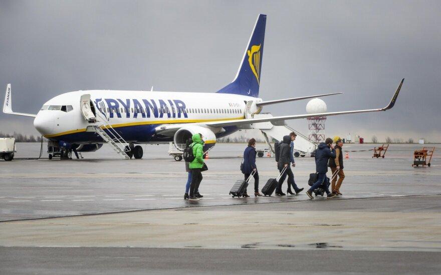 """Belgija paduos """"Ryanair"""" į teismą dėl atšauktų skrydžių"""