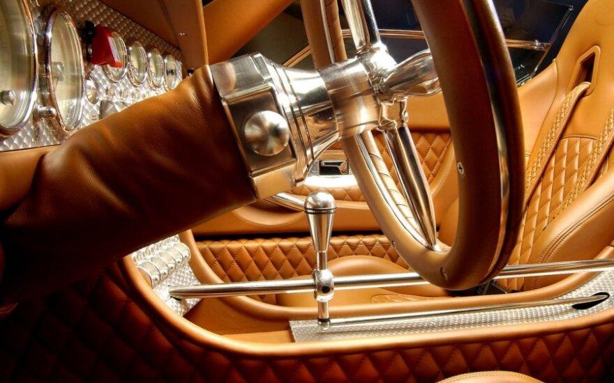 Spyker C8 Spyder (2005 m.)