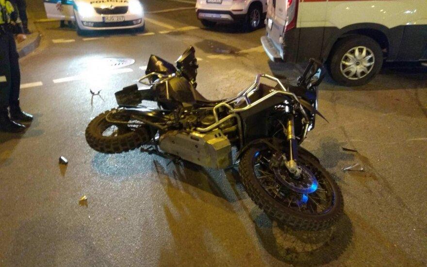 Avarija Klaipėdoje: stipriai sužalota motociklo keleivė