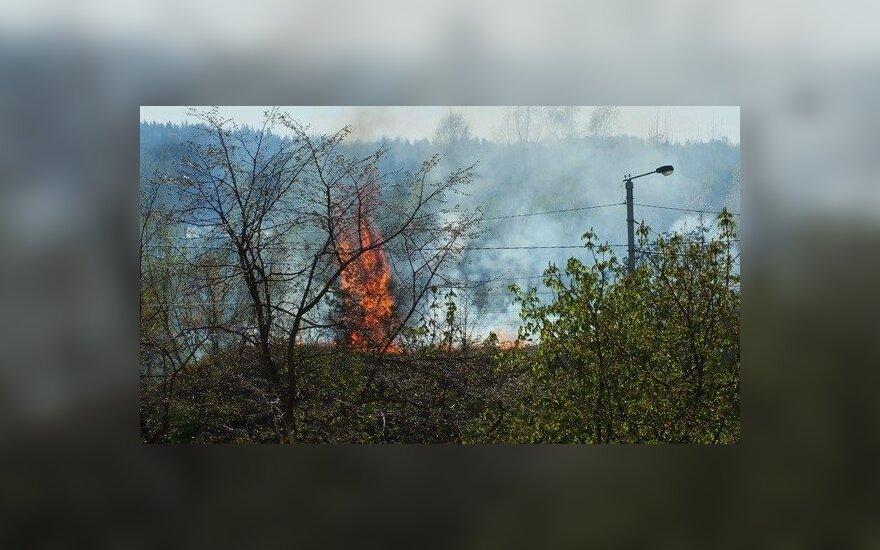 Prie Lampėdžių karjero Kaune kilo gaisras