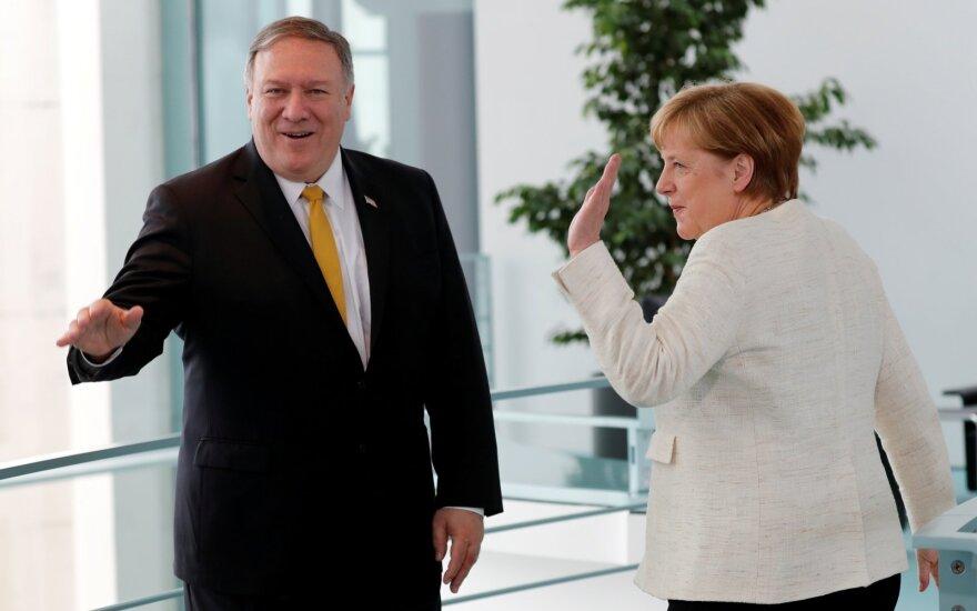 Angela Merkel, Mike'as Pompeo