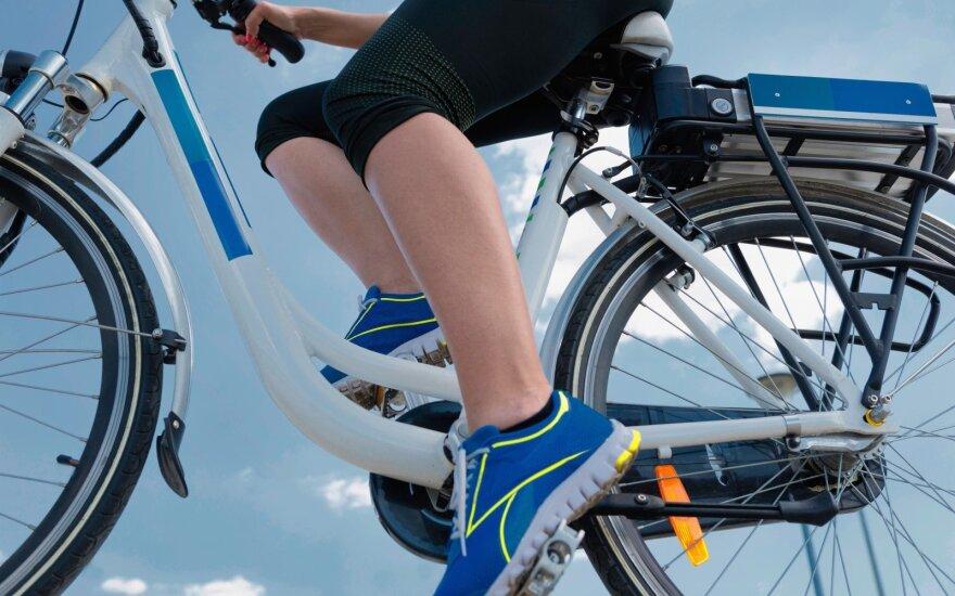 Elektrinių dviračių vairuotojams – ministerijos perspėjimas
