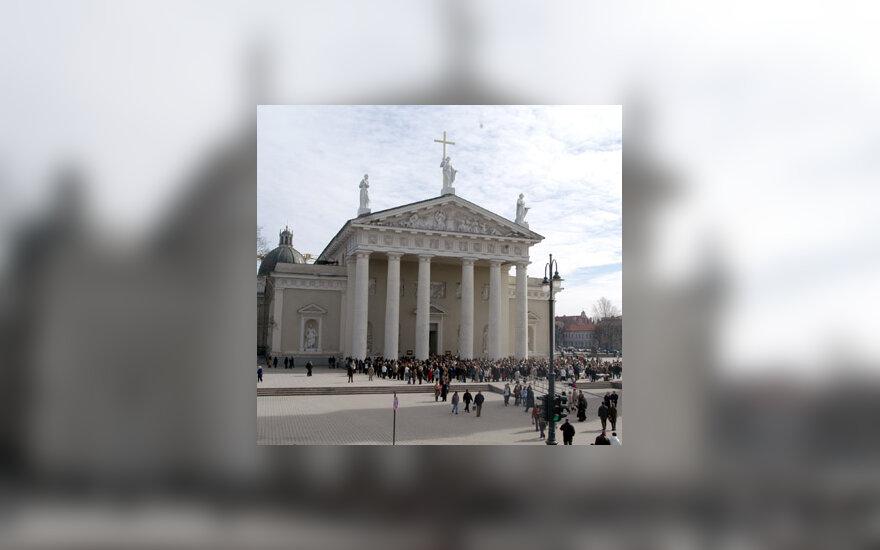 Arkikatedroje aukojamos mišios už mirusį popiežių Joną Paulių II