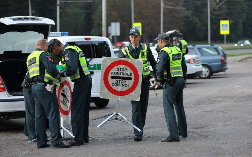 Seime svarsto naujoves, kurios nepatiks baudų turintiems vairuotojams