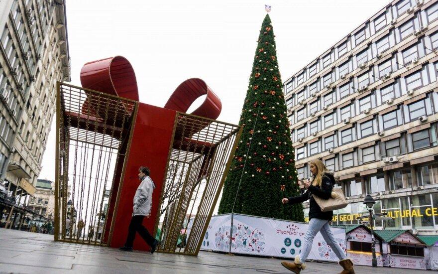 83 tūkst eurų atsiėjusi Kalėdų eglė Belgrado gyventojų nedžiugina