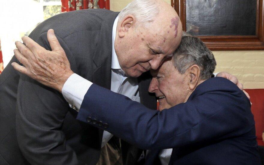 Michailas Gorbačiovas ir George'as H. W. Bushas