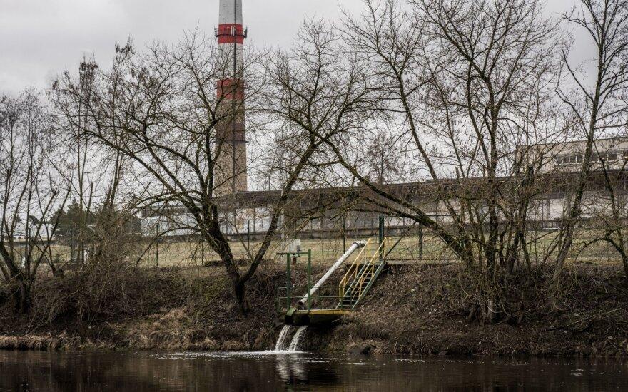 """Seimo nariai Klaipėdoje aiškinsis, kodėl aplinkosaugininkai nematė """"Grigeo"""" taršos"""