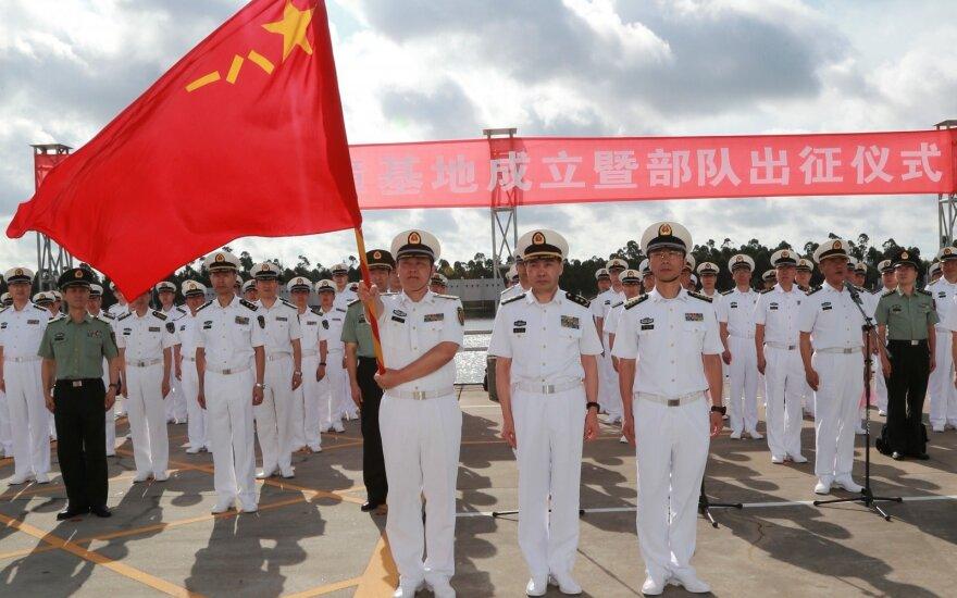 Kinijos kariai siunčiami į pirmąją šalies karinę bazę užsienyje