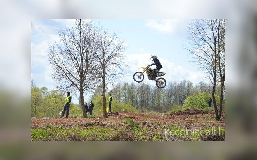 Į Kėdainių trasą grįžo motokrosas