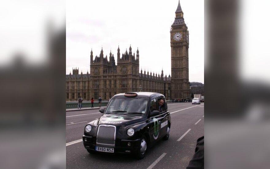Londono gatvėse – pirmasis vandenilinis taksi automobilis