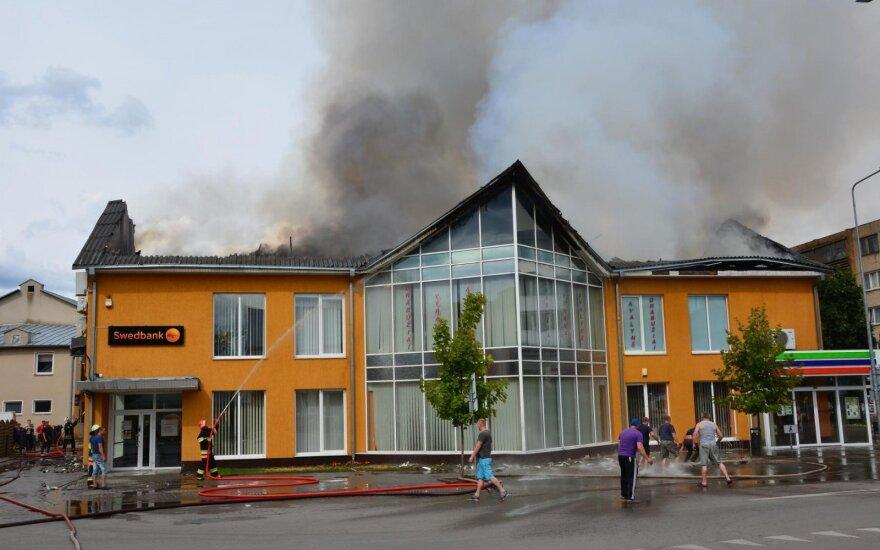 Savaitgalio gaisras smogė milžiniškais nuostoliais didžiausiems Lazdijų rajono darbdaviams, įtariamieji nebus baudžiami