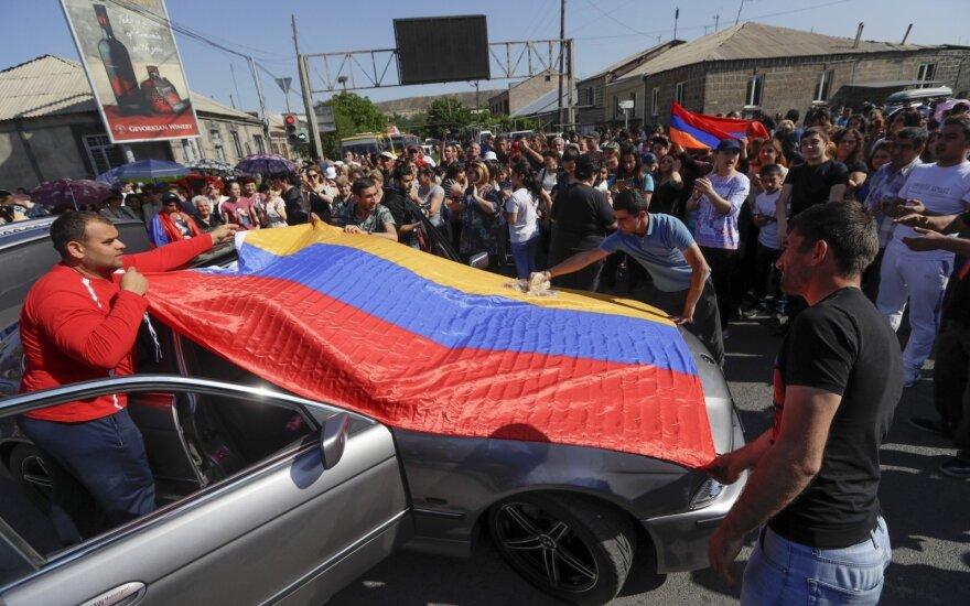 Armėnijos parlamente prognozuojama, kad bus suformuota mažumos vyriausybė