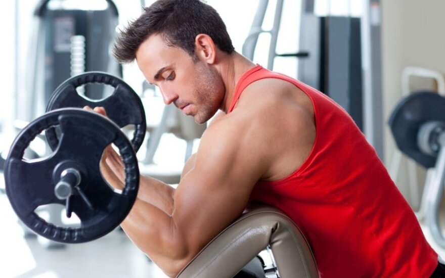 """Video pamokėlė: """"Body pump"""" - treniruotė optimistams"""