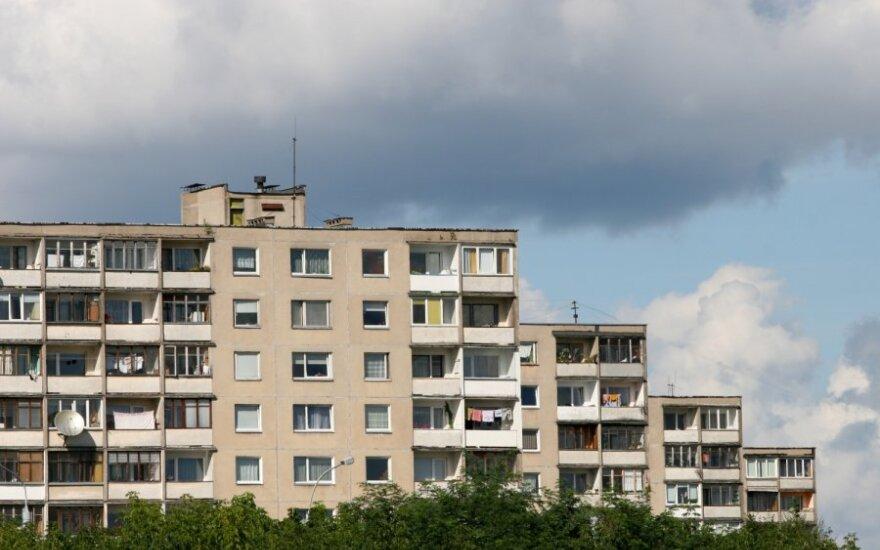 Statybų ekspertas: kam kišti pinigus į renovaciją, jei po kelių metų pastatas vis tiek bus pasenęs?