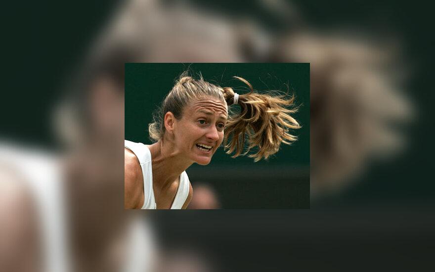 Prancūzijos tenisininkė Mary Pierce rungtyniauja su amerikiete Venus Williams.