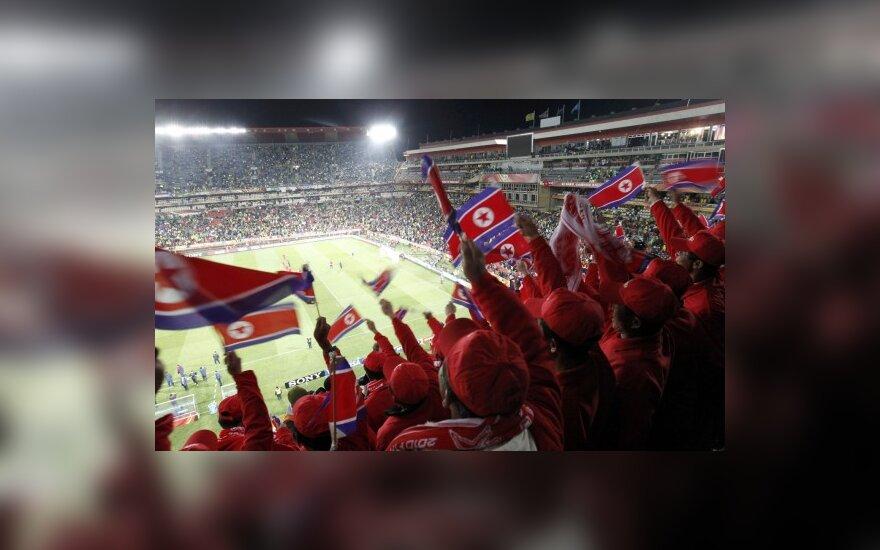 Šiaurės Korėjos futbolo gerbėjai Afrikoje