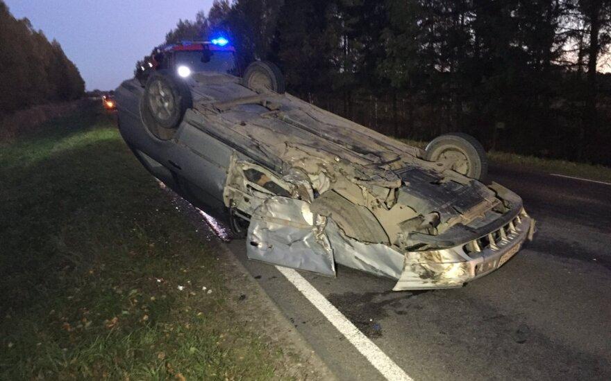 Avarija Kretingos rajone: automobiliai visiškai sumaitoti