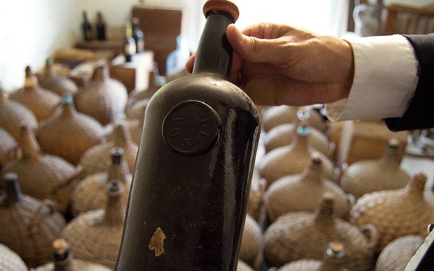 JAV muziejaus rūsyje rasta beveik dviejų šimtmečių senumo vyno