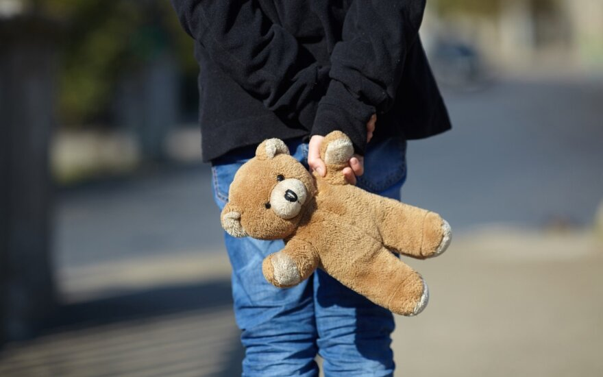 Moters nuomonė: vaikų auklėjimo procese svarbiausias vienas dalykas