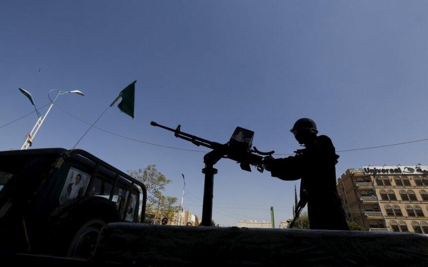 Iš Jemeno bus evakuota 50 sužeistų husių sukilėlių