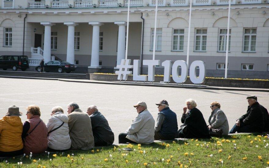 Vyriausybė spręs, ar nemažinti pensijos turintiems 40 metų stažą ir išankstinę pensiją gavusiems ne ilgiau kaip 3 metus