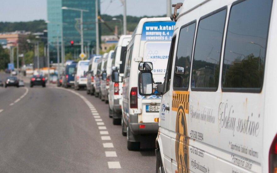 Mitingas prieš viešojo transporto reformą