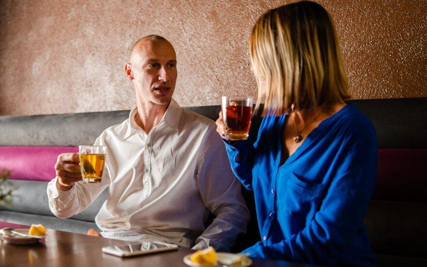 Per pirmąjį pasimatymą mergina iš karto ėjo prie reikalo, bet vaikiną jos žodžiai šokiravo