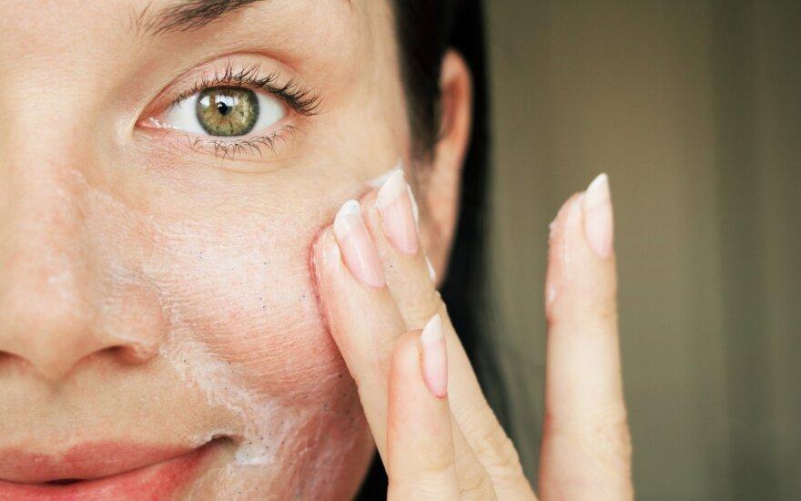 Veido prausimas yra svarbi odos rutinos dalis.