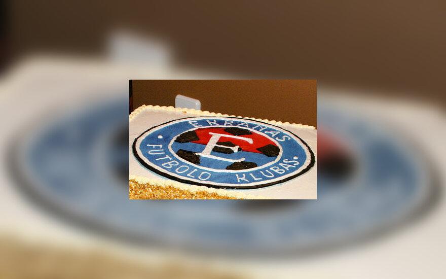 """Panevėžio """"Ekrano"""" klubo ženklas ant torto"""
