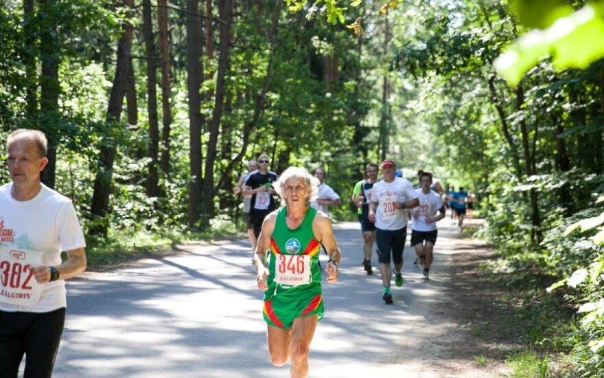 """Bėgimas """"Aplink Žaliuosius ežerus""""  (V. Dranginio nuotr.)"""