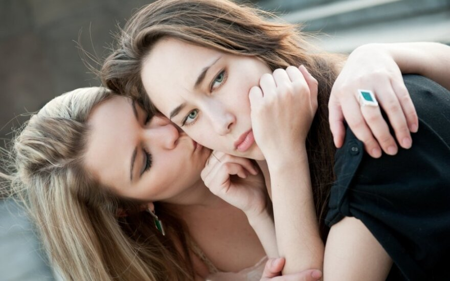 Lesbietės Lietuvoje – moterys po nematomumo čadromis