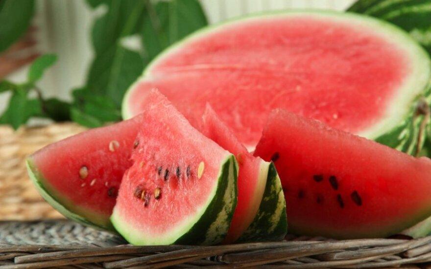 Kaip išsirinkti saldų ir prinokusį arbūzą?