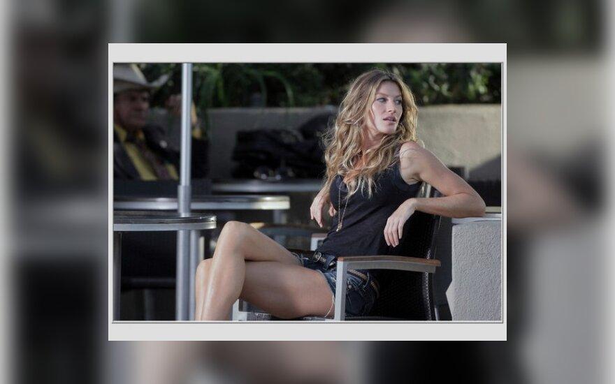 Gisele Bundchen filmuojasi video klipe Holivude