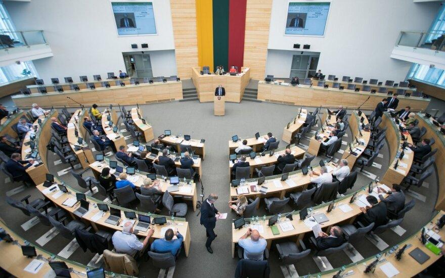 Seimas ėmėsi siūlymo laisvą dieną per mėnesį suteikti ir už vieną vaiką