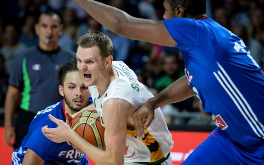 Lithuanians shoot off against the French