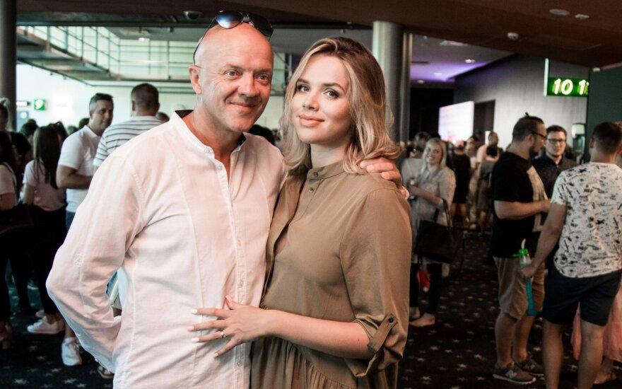 Ramūnas Rudokas pirmąkart apie beveik 30 metų jaunesnę žmoną: atvirame interviu – dar niekada neviešinta istorija