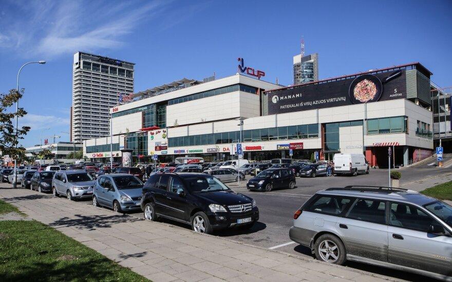 VCUP apmokestino automobilių stovėjimo aikštelę