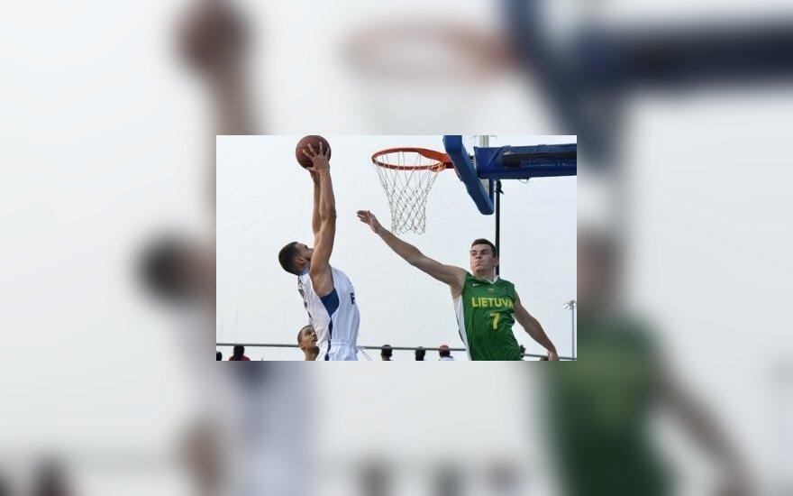 Lietuvos vaikinai sėkmingai žaidžia pasaulio jaunių 3X3 krepšinio čempionate (fiba.com nuotr.)