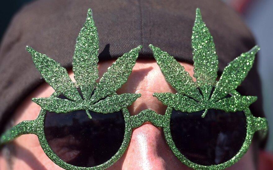 Eitynėse už marihuanos įteisinimą